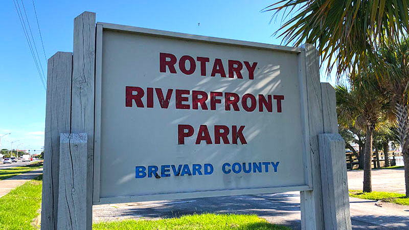 Rotary Riverfront Park Sign